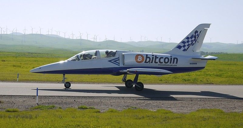You may not get to ride in this Bitcoin plane, but buying airline tickets with crypto is easier than ever.