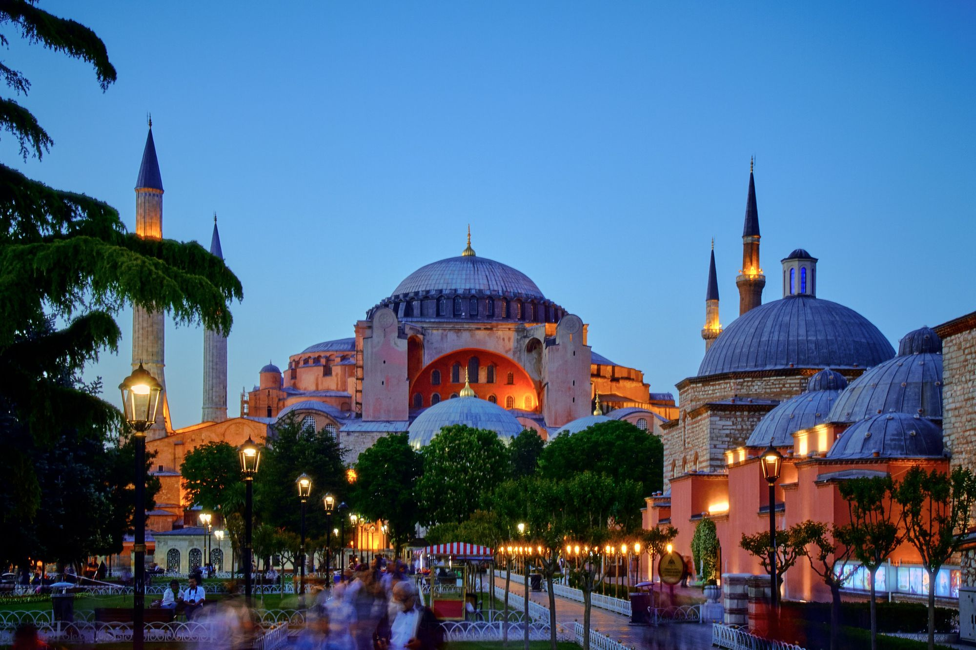 Hagia Sofia by Pedro Szekely, licensed under CC BY-SA 2.0.